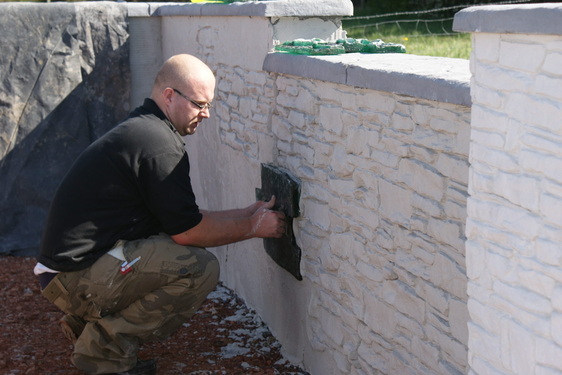 Imprinting A Dry Stone Effect Using Wallcrete Stone Effect