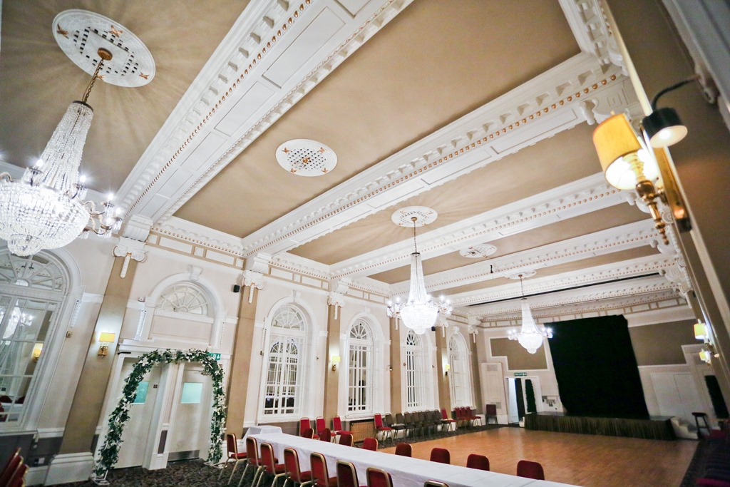 Danum Hotel Ballroom Given Facelift With Dulux Trade