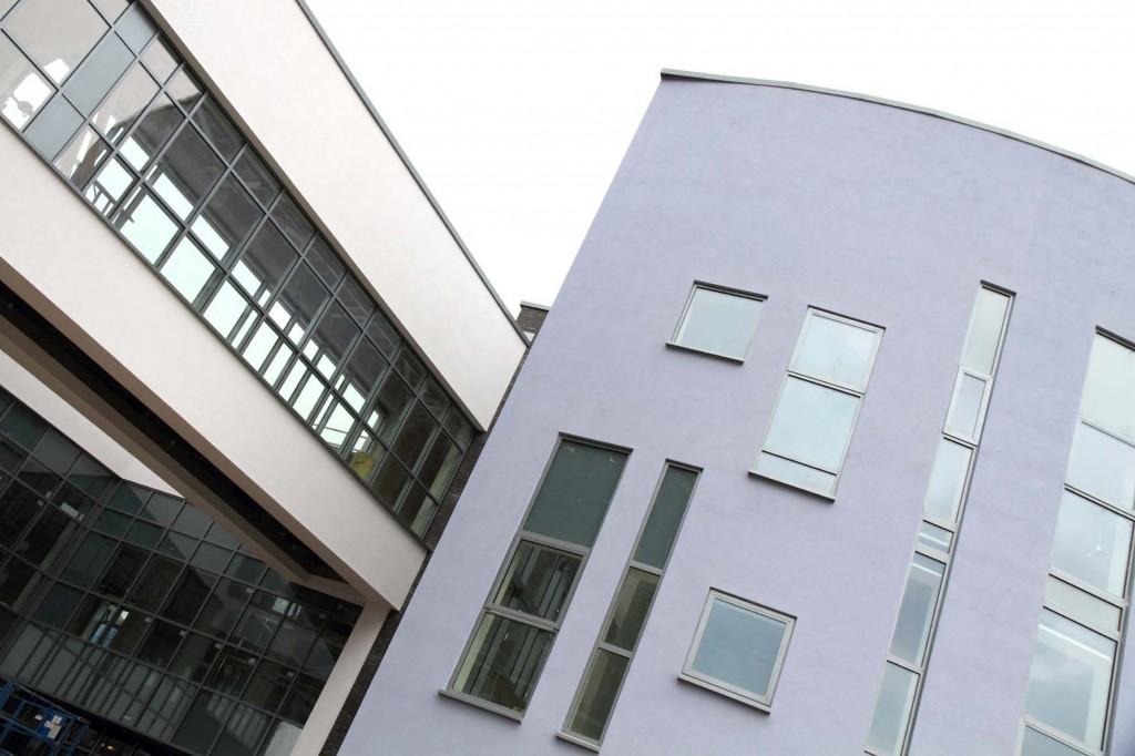 weber.rend MT render system for new school in Bridgend