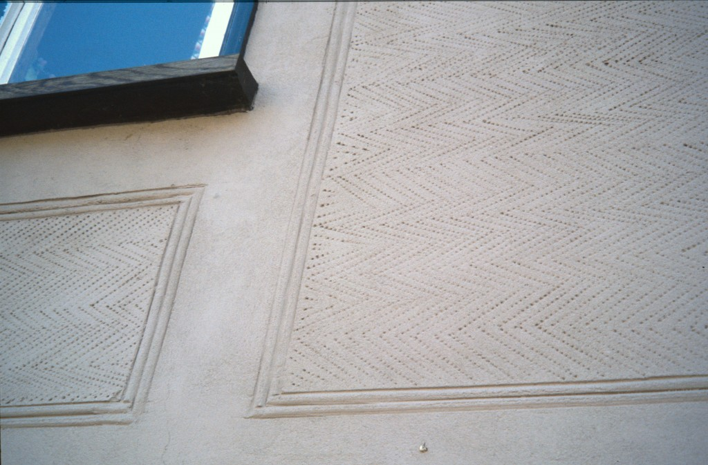 Zig zag in frame Pargeting