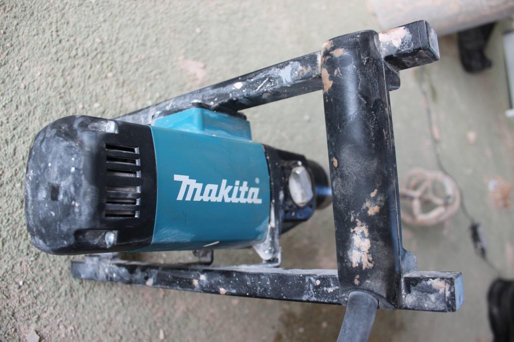 Makita Plasterers Mixer UT1600