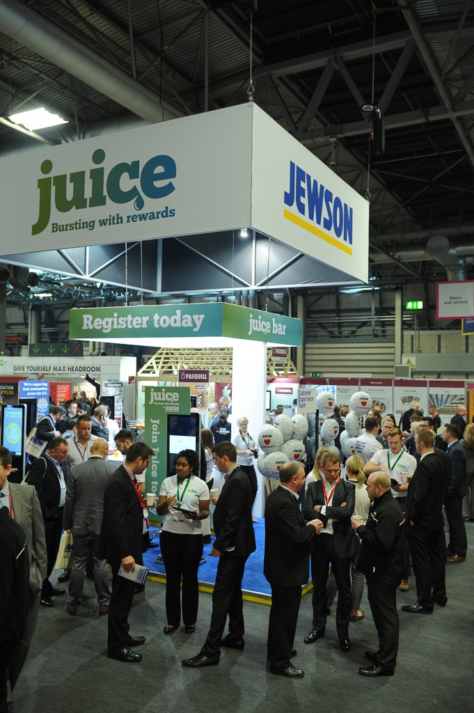 Jewson Welcomes Crowds At First Ever Live Show